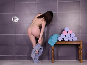 19 old flexible Czech fucking and peeing
